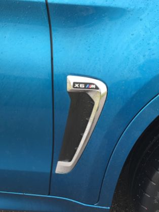 BMW X6 M 2015 Emblem