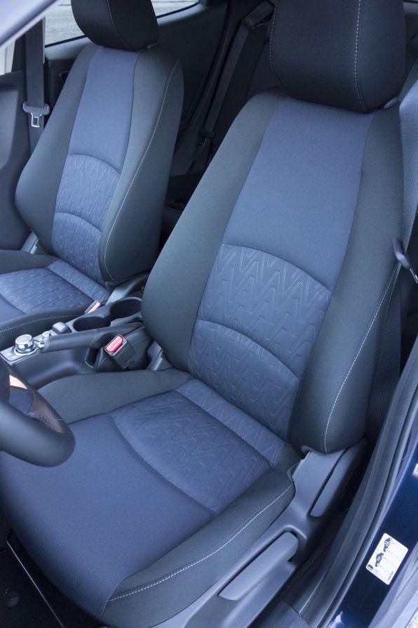 Mazda 2 2015 Sitzbezug Mitternachtsblau