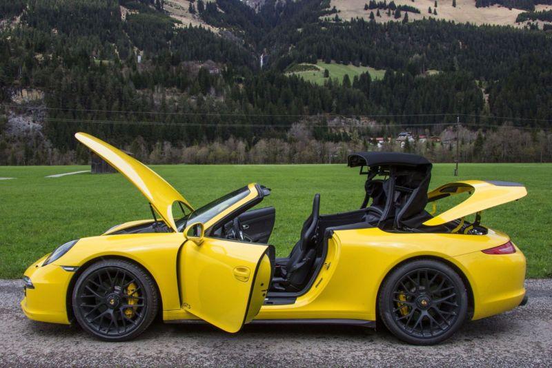 Porsche 911 GTS Cabrio Alle Türen offen