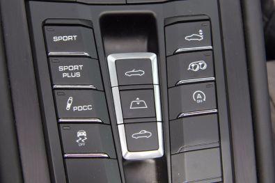 Porsche 911 GTS Cabrio Bedienelemente für das Fahrzeug