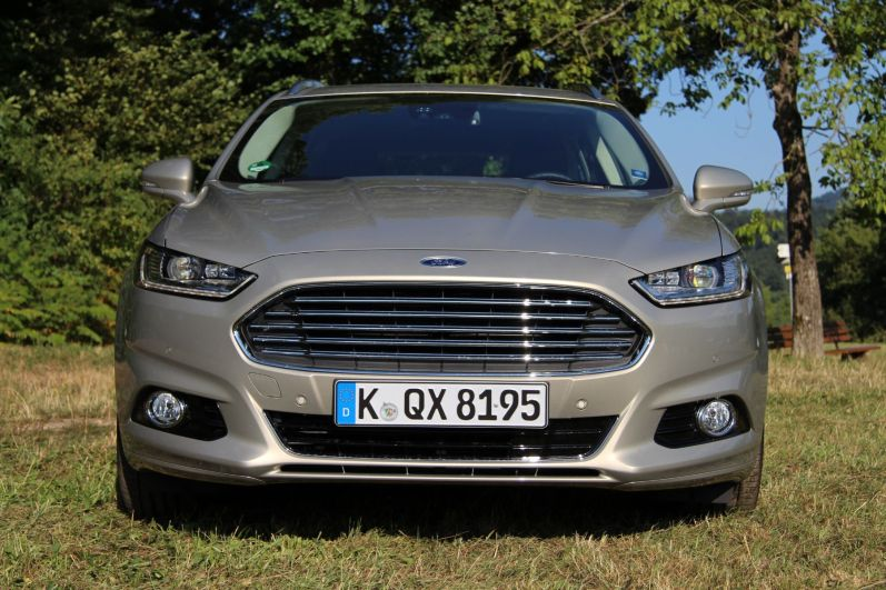 Ford Mondeo Turnier 2015 Aston Martin Grill Front