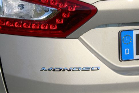 Ford Mondeo Turnier 2015 Schriftzug Heckklappe