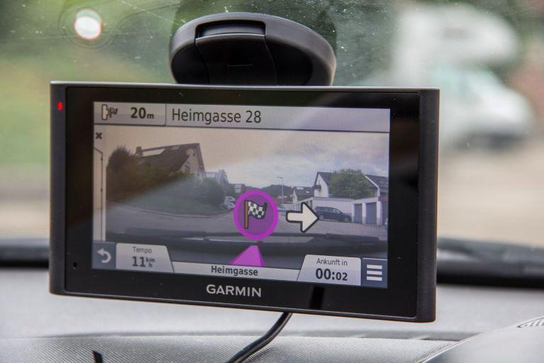 Navi mit integrierter Dashcam - Garmin nüviCam im Test