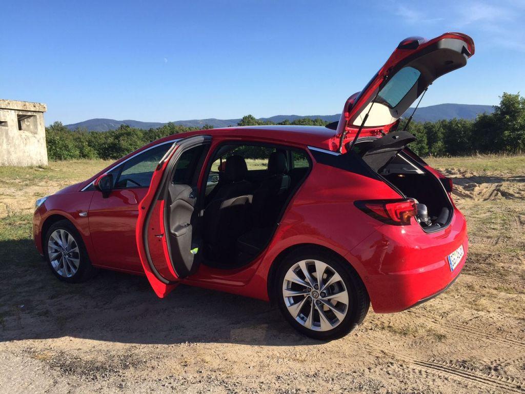 Opel Astra 2015 Rückbank