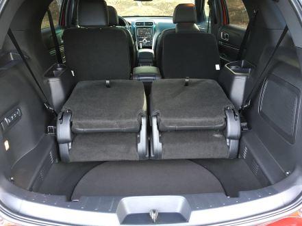 Ford Explorer Kofferraum mit umgeklappter Rückbank