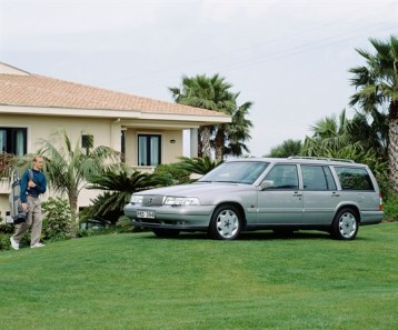 Volvo_960_Kombi_1995