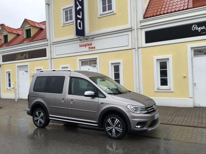 Volkswagen Caddy Alltrack grau 2016