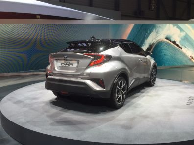 Toyota C-HR serienreif: Das Heck ... naja ...