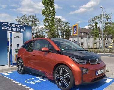 Kaufprämie für Elektrofahrzeuge und Laden am Arbeitsplatz wichtiges Signal