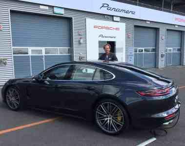 Der neue Porsche Panamera - Hochleistungsportwagen und Luxuslimousine in einem