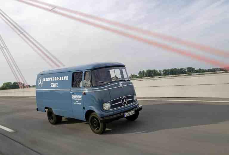 Alte Lastwagen auf Deutschlandfahrt