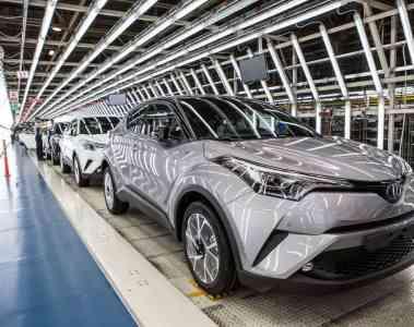 Erster Toyota C-HR rollt vom Band