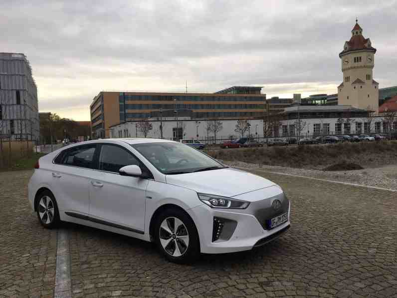 Hyundai IONIQ mit Elektroantrieb