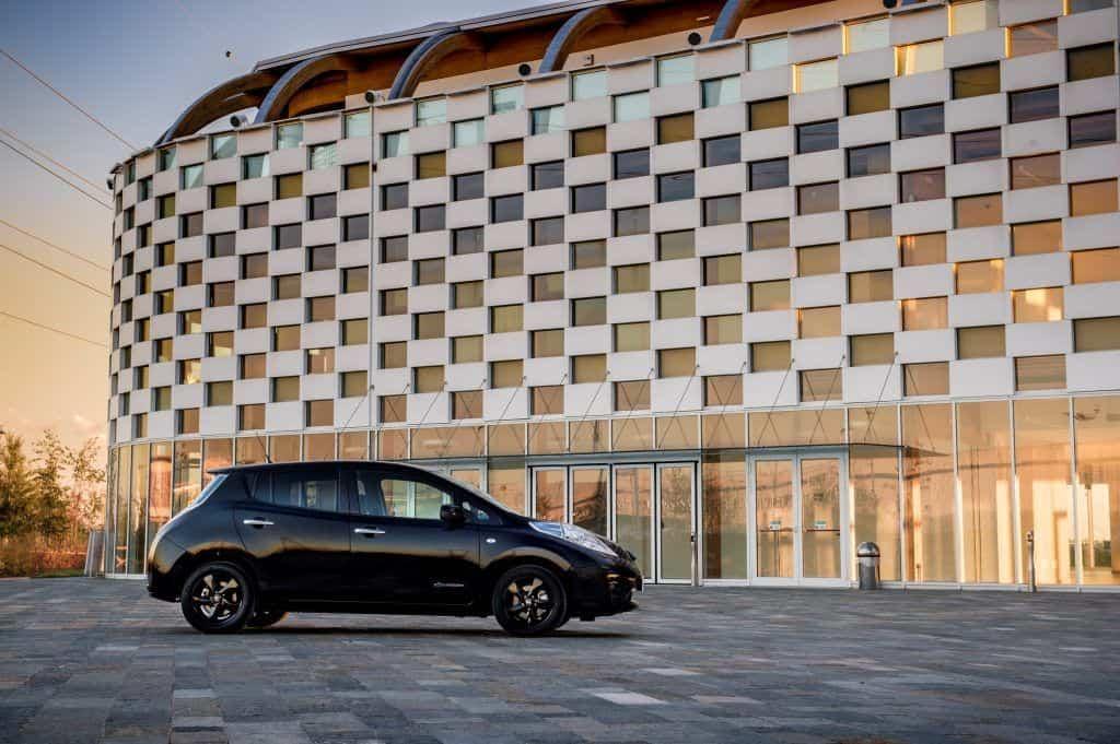 Nissan reveals stylish new LEAF Black Edition
