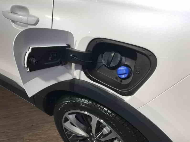 Opel Crossland X mit Adblue-Stutzen
