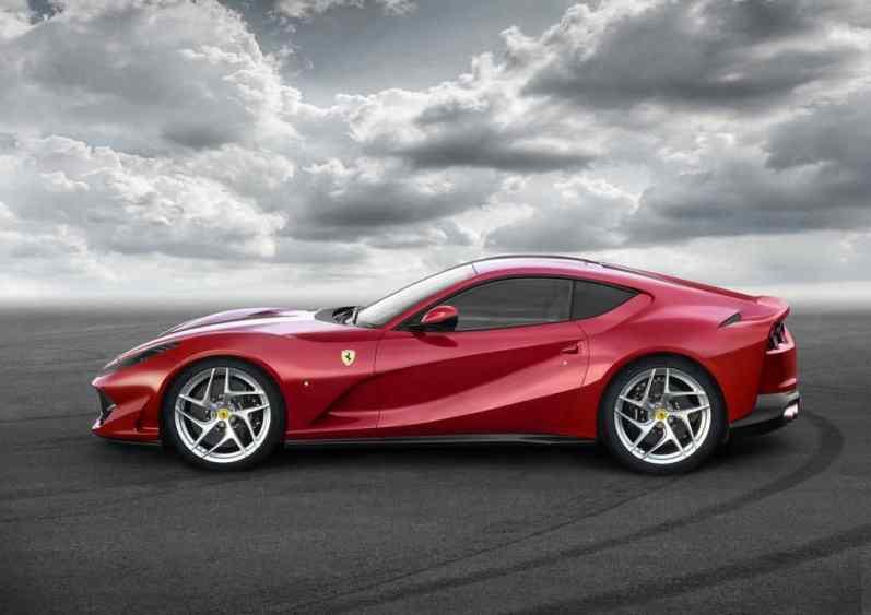 Ferrari 812 Superfast Seitenansicht