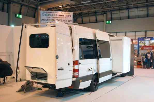 Mercedes-Benz Sprinter 313 CDI von Slide Out Europe