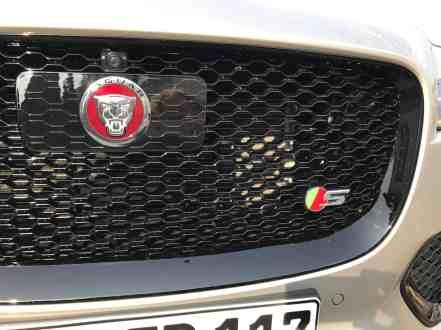 Jaguar F-Pace Kühlergrill