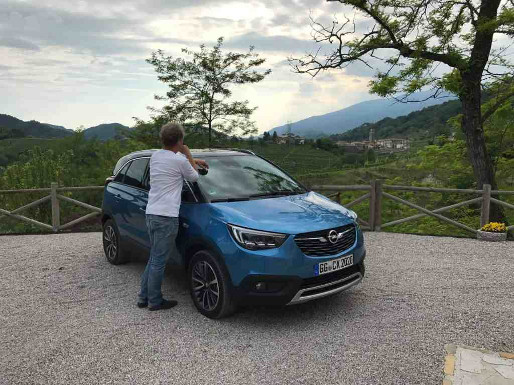 Opel Crossland X - French Connection