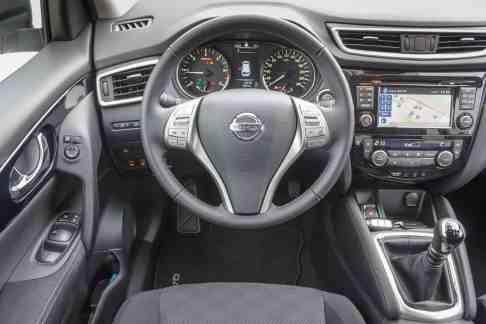 Nissan Qashqai Innenraum 2016 N-Connecta
