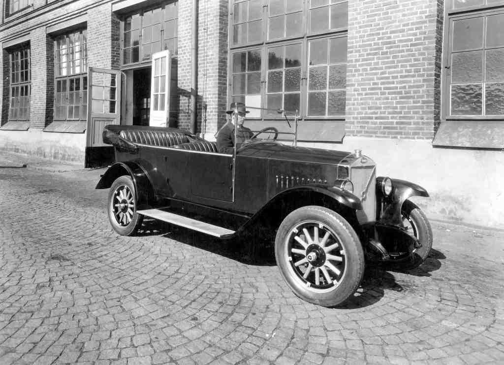 """Volvo bedeutet """"Ich rolle"""" - und das tut er mittlerweile schon seit 90 Jahren"""