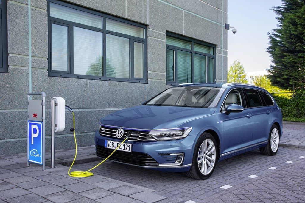 ADAC-Ecotest: Nur ein Plug-in-Hybrid kann überzeugen