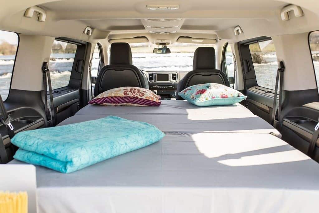 Toyota Proace Verso mit Ququq-Campingbox