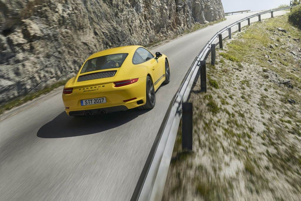 Mit dem 911 Carrera T belebt Porsche das puristische Konzept des 911 T neu