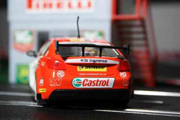 """MG 6 GT BTCC """"Josh Cook"""" von Scalextric."""