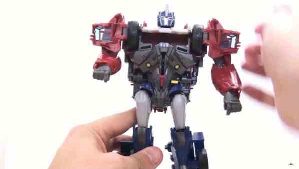 Hier das Transformer-Vorbild des Earth-1 Designer