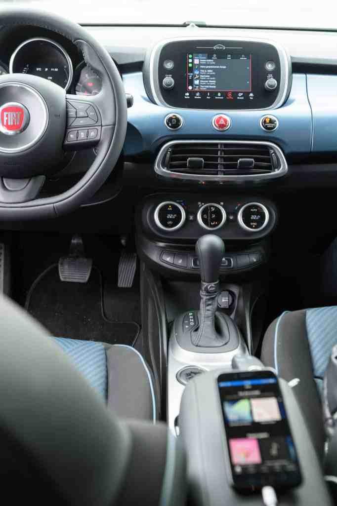 """Die neuen Fiat 500 """"Mirror"""" Sondermodelle mit """"Uconnect HD LIVE"""" und """"Mopar Connect""""."""