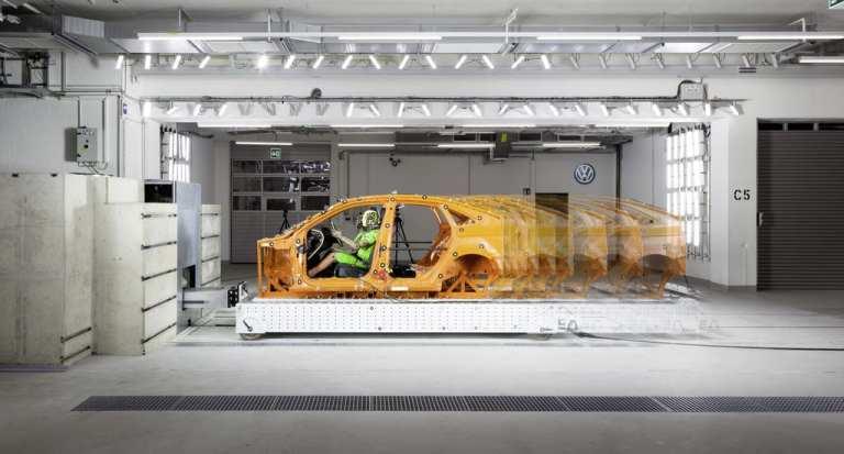 Schlittenanlage im VW-Kompetenzzentrum Sicherheit in Wolfsburg.