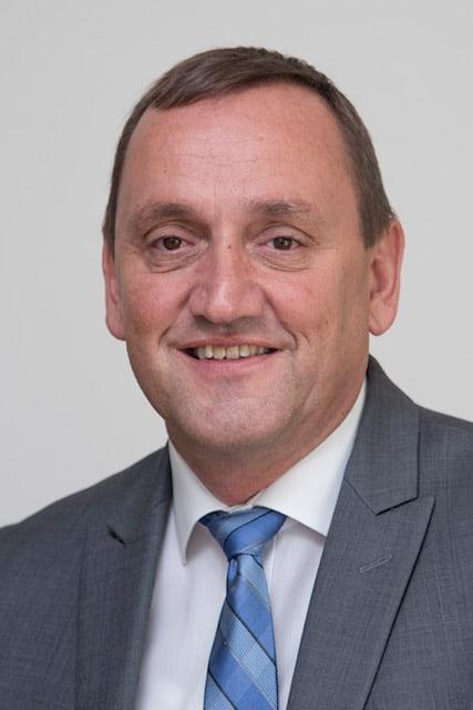 Die Entwicklung von Antriebslösungen: 3 Fragen an Anton Mayer, Senior Vice President Engineering Magna Powertrain