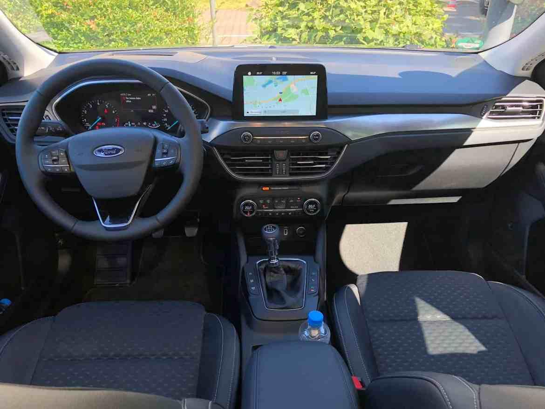 Erste Testfahrt mit dem brandneuen Ford Focus
