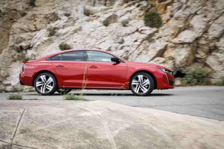 Neuer Peugeot 508 – Coupehafte Limousinen liegen im Trend