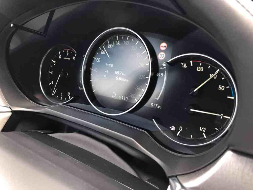Mazda hat seine Mittelklasse Limousine überarbeitet