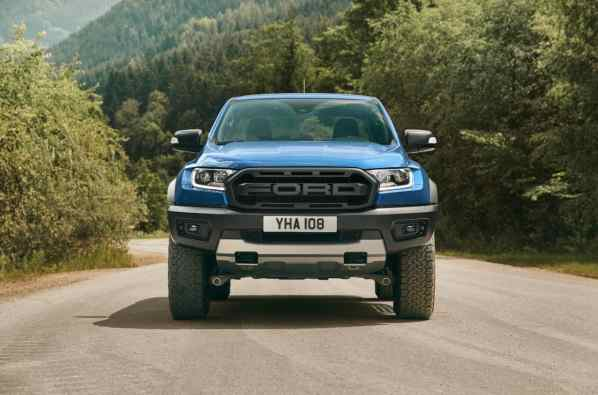2018_FORD_RANGER_RAPTOR_WILDTRAK_Shot16_FullFrontStatic_Tarmac_04 (3)