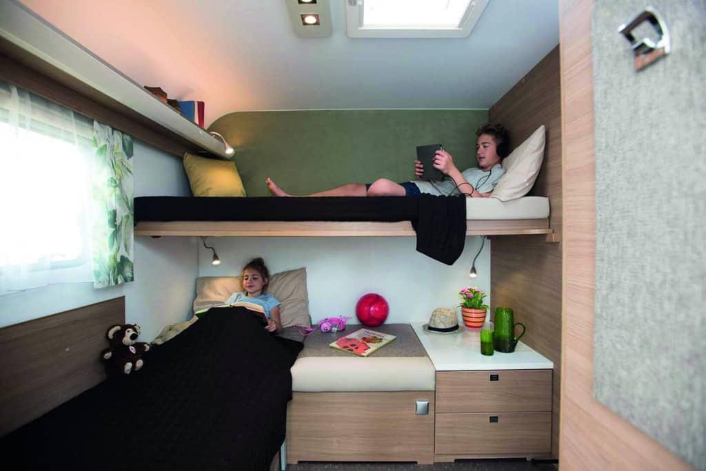 Adria Adora 673 PK: Wohnwagen mit zwei Eingängen