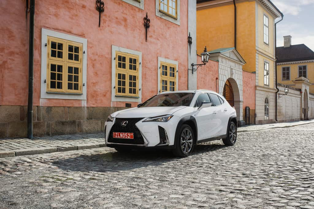 Noch ein kompakter Lexus: Der UX startet Anfang 2019