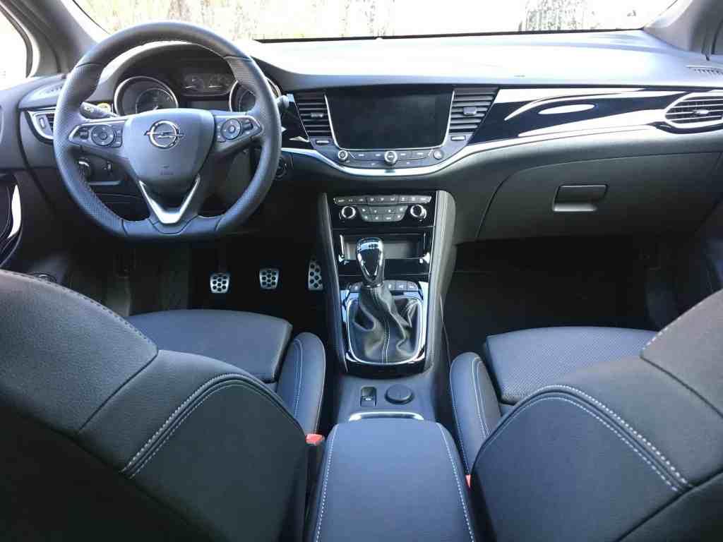 Opel Astra Sports Tourer, 6 Gang Schalter