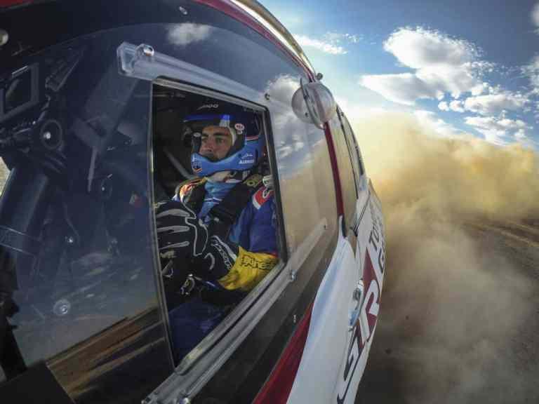 Toyota schickt Fernando Alonso in die Wüste