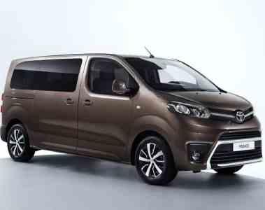 Crosscamp-Ausbau im Toyota Proace Verso.