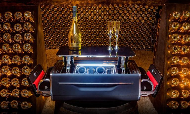Champagnertruhe von Rolls-Royce.