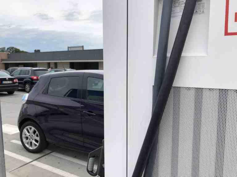 Elektroautos werden heute von vielen Stellen gefördert.