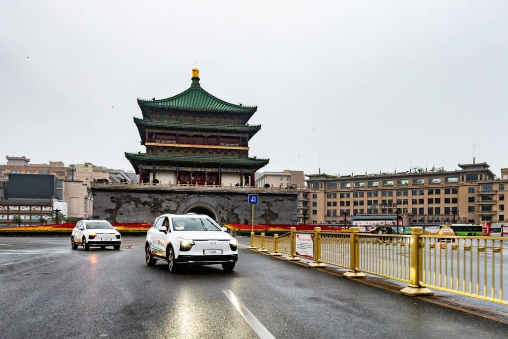 Aiways U5 bricht in Xi'an zur 14.000 Kilometer langen Erprobungsfahrt nach Deutschland auf.