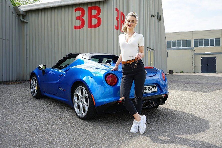 Alfa Romeo 4C Spider, Nina Weizenecker
