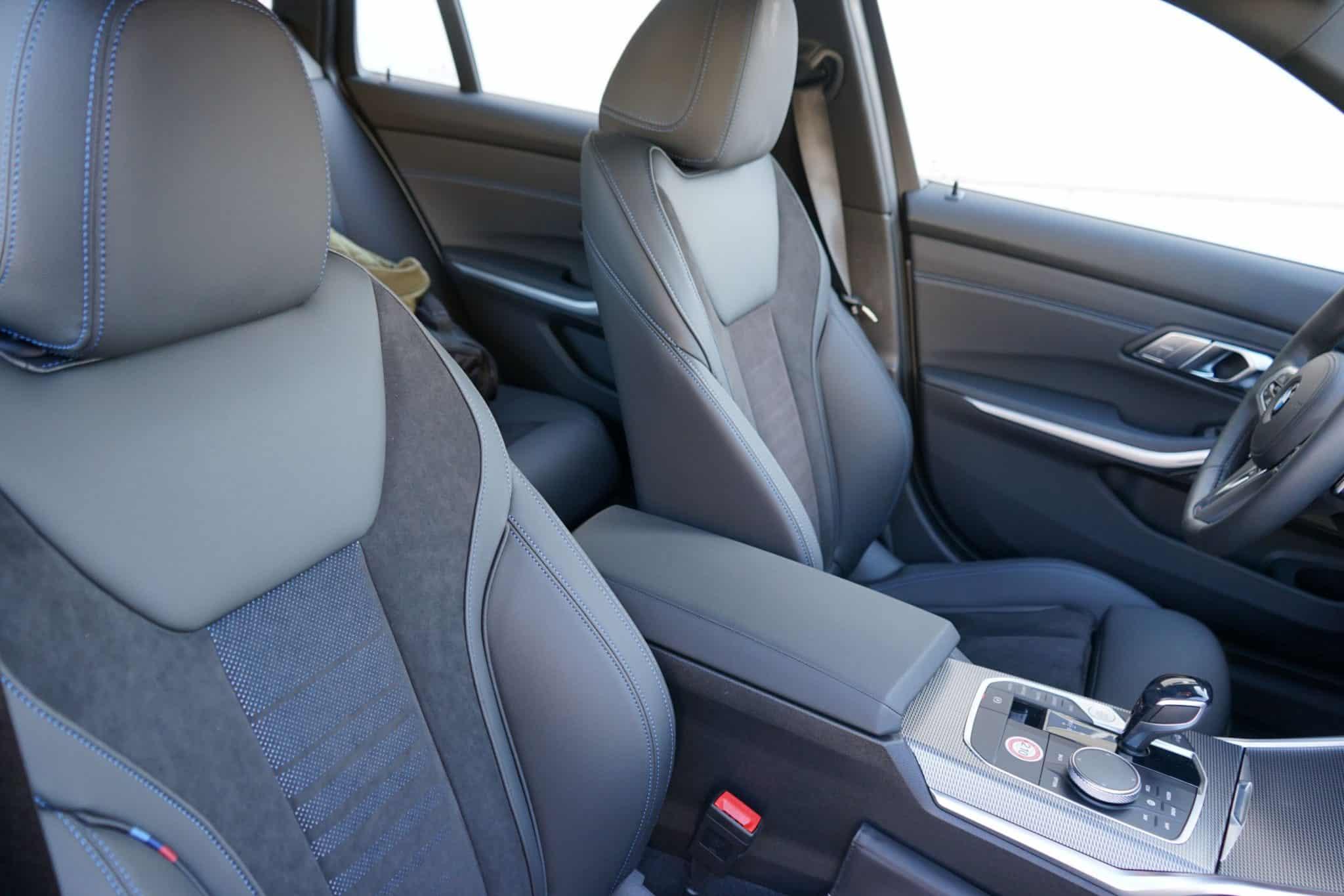 BMW 330i Touring, Sitze