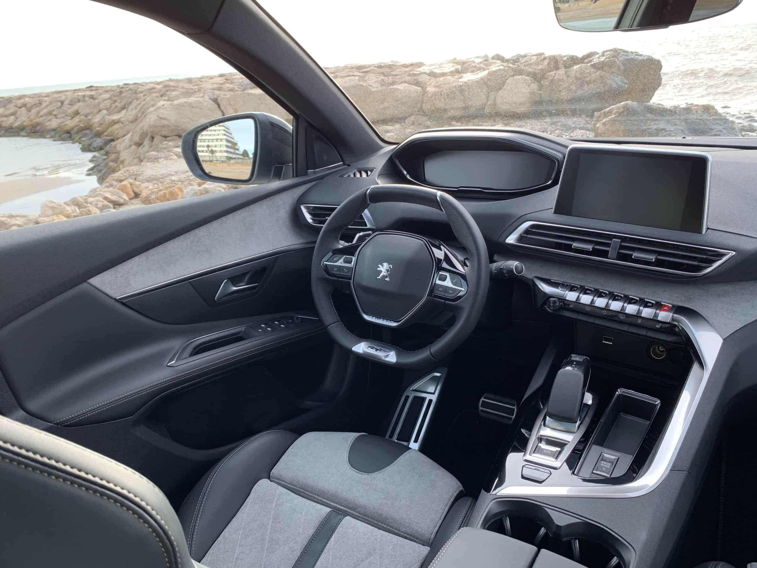 Peugeot 3008 Hybrid4, cockpit