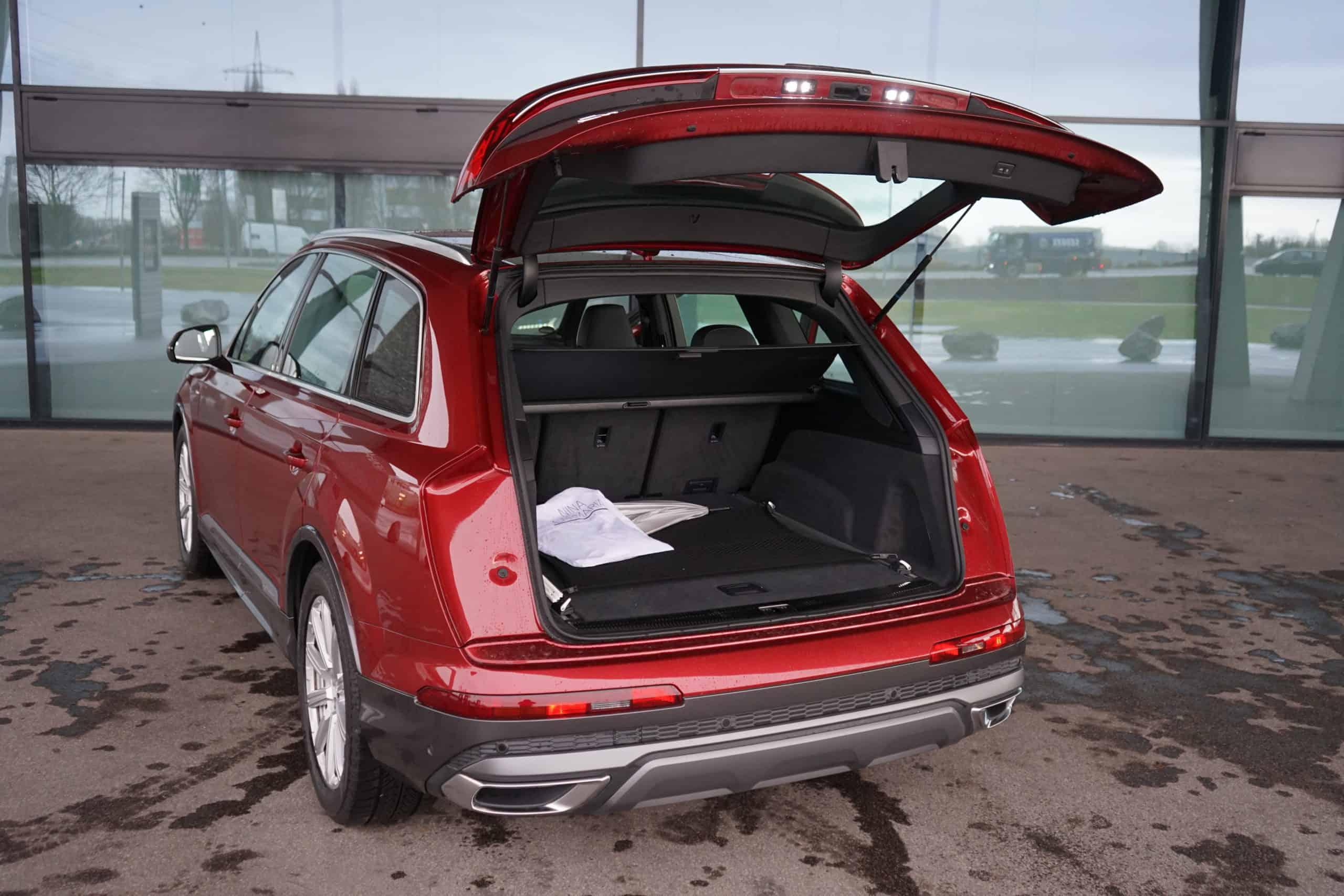 Audi Q7 - Faszinierende Kombi aus Geländewagen und Limousine, Kofferraum