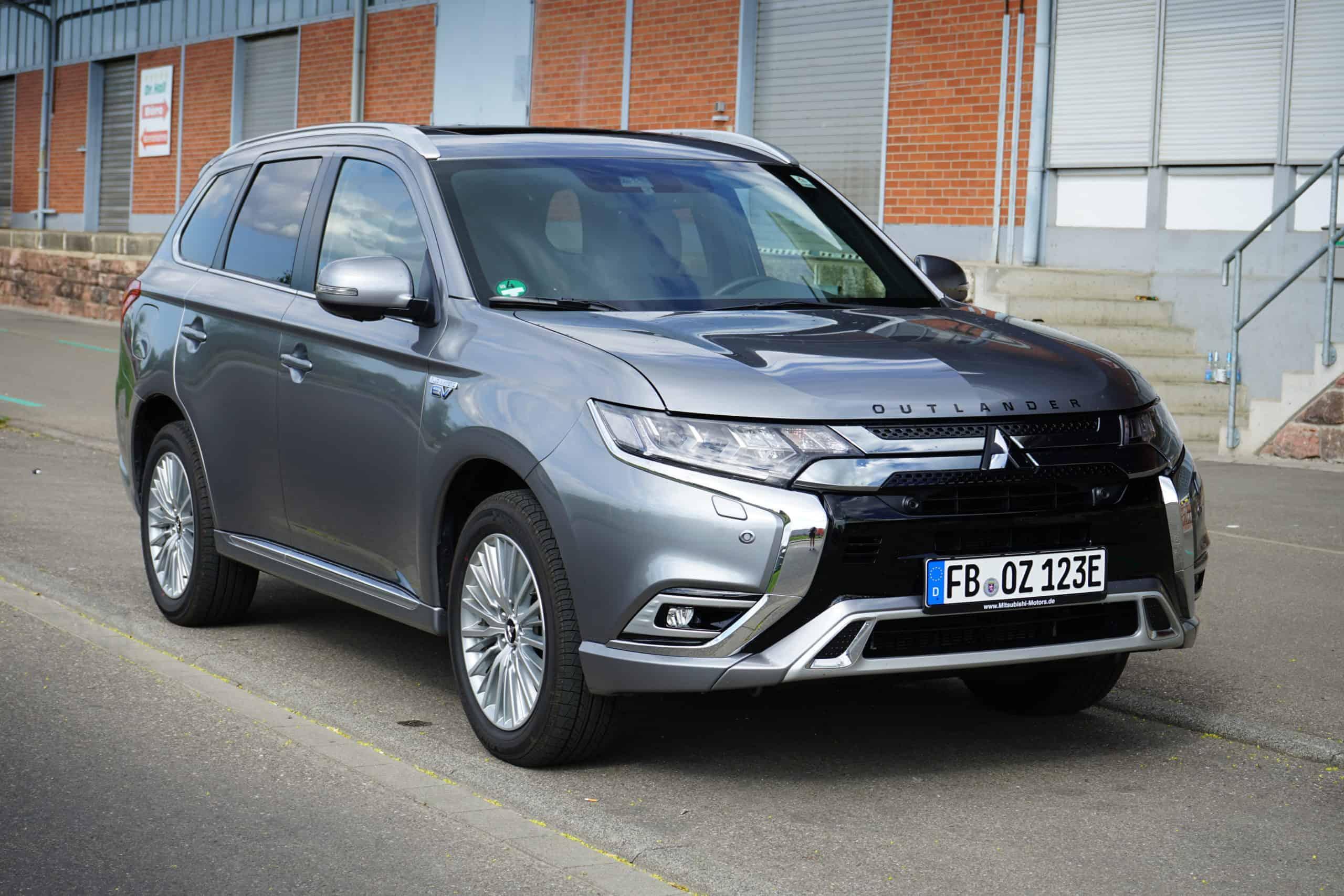 2020 Mitsubishi Outlander Price, Design and Review